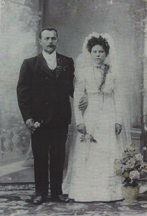 Yakab Ziwerts and Berta Ermanson on their wedding day, 2 June 1913 in Dubrava, Russia